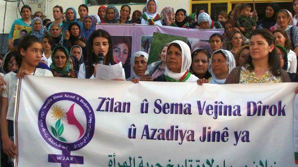 Demonstration der Frauen von Rojava