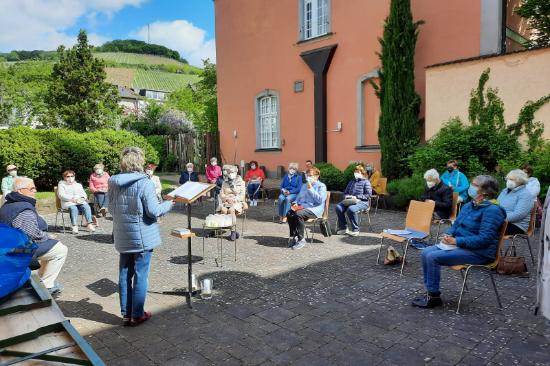 ©I. Gies, Dekanat Ahr-Eifel Bericht Junia und die Frauen St. Laurentius