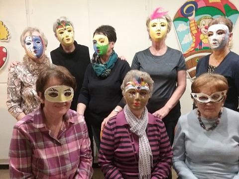 Gruppenbild Masken gestalten